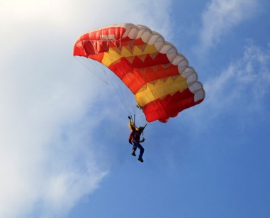 Le relais de roqueferau chambres d 39 h tes et g tes dans - Saut en parachute nevers ...